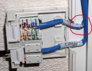 Изгиб кабеля витая пара слишком сильный
